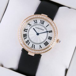 AAA Ronde Solo de Cartier en or rose tache noire sangle dames montres lunette sertie de diamants