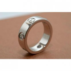 AAA Cartier Love anello in oro bianco con tre diamanti B4032500