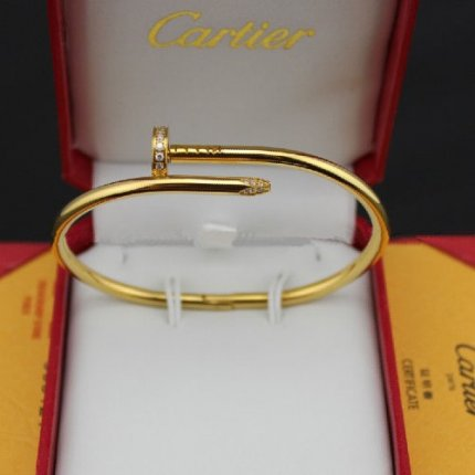 AAA Replica Cartier Juste un Clou Braccialetto di diamanti in oro giallo